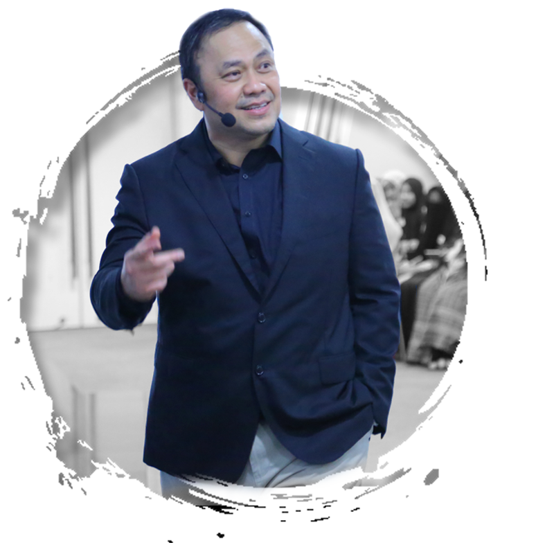 Ary Ginanjar Agustian juga seorang Coach, Motivator Indonesia, trainer dan Penulis Buku ESQ